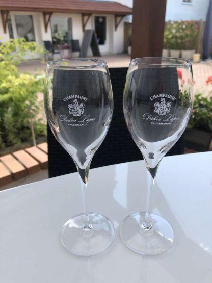 Verres, flûtes pour Champagne élégantes, avec logo (blason) et textes Champagnes Didier Lapie